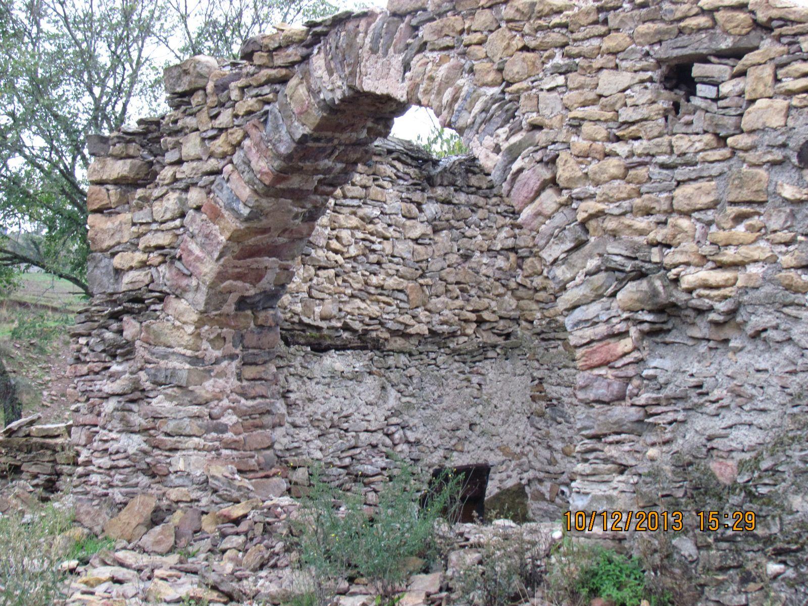 la bastide hameaux pres de treves  ' aveyron