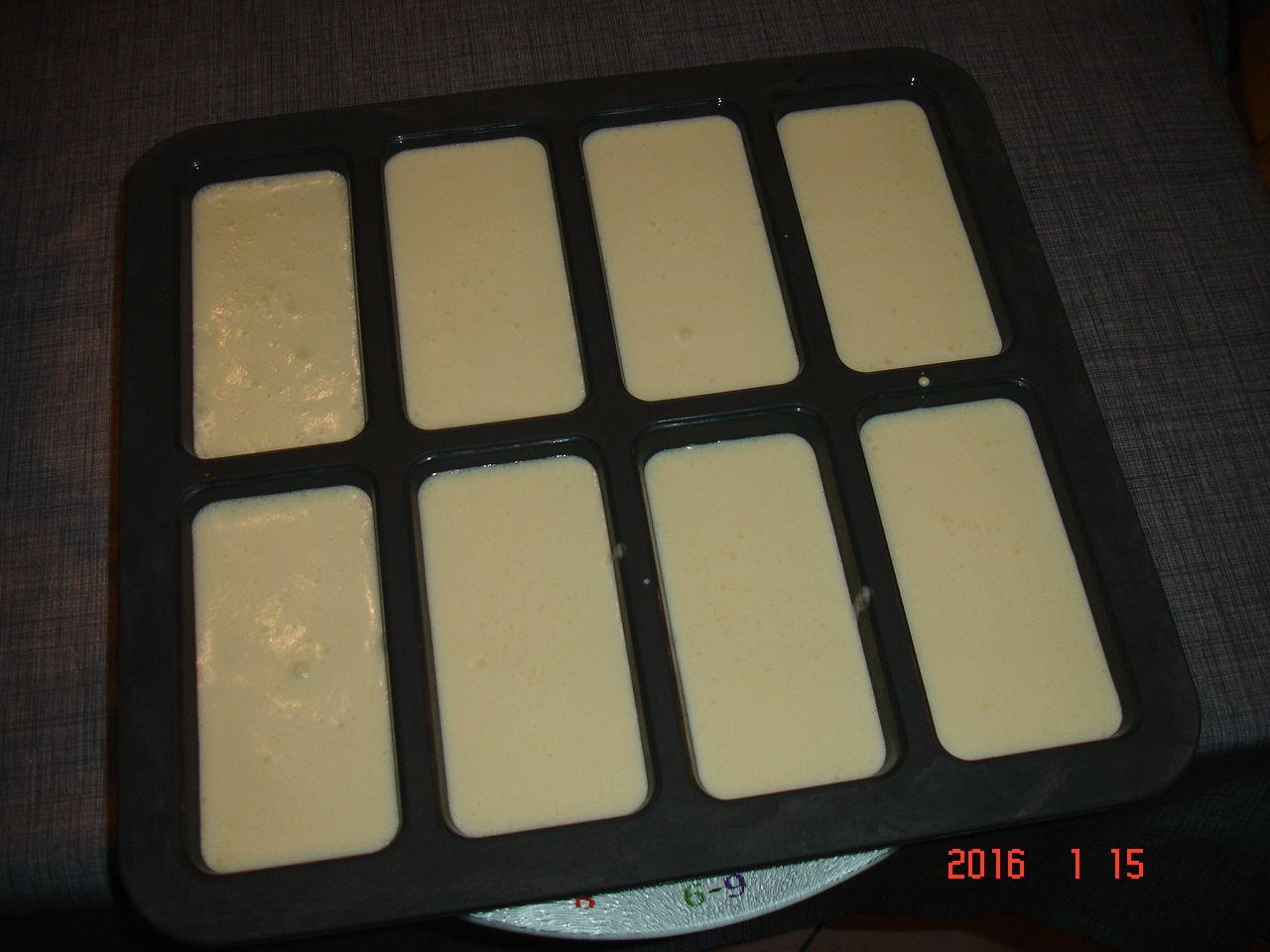 Bûche framboise,insert vanille,croustillant riz soufflé
