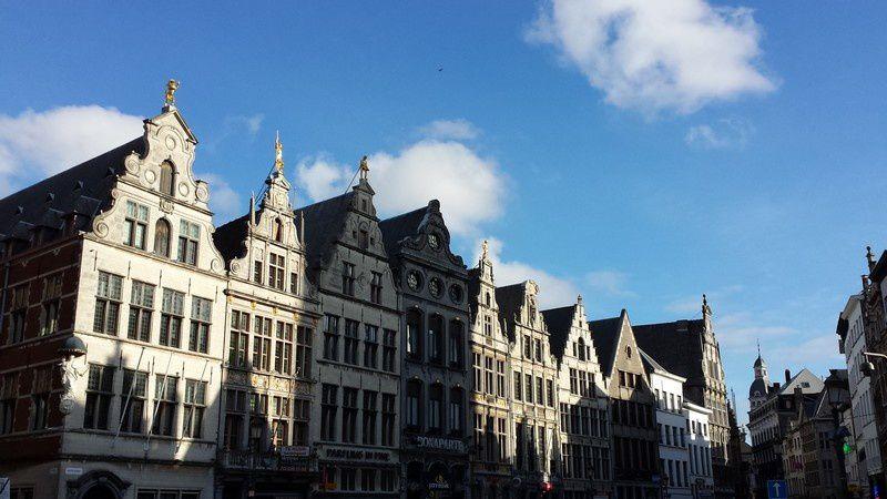 Si vous passer vers Anvers, ne surtout pas rater une visite de cette magnifique ville (seulement deux heures de Thalys de la gare du Nord)
