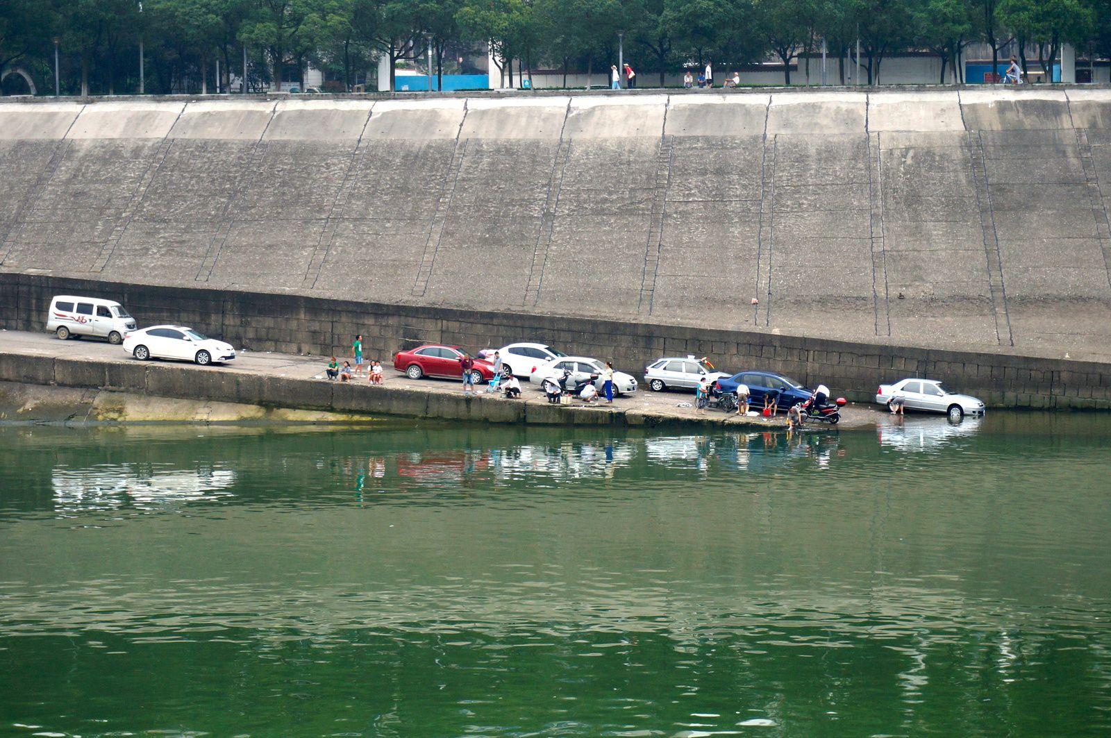Pêche, nage, photo, lavage de voitures...