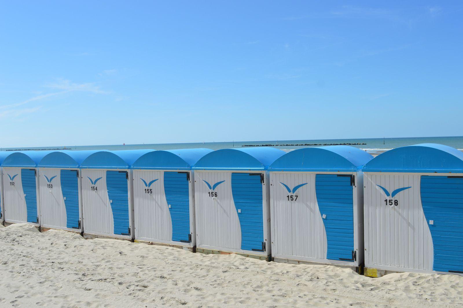 Petites cabines de plage.