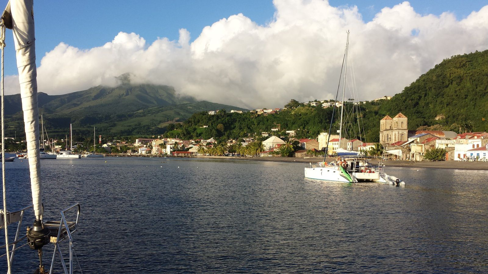 St-Pierre au N-O de la Martinique