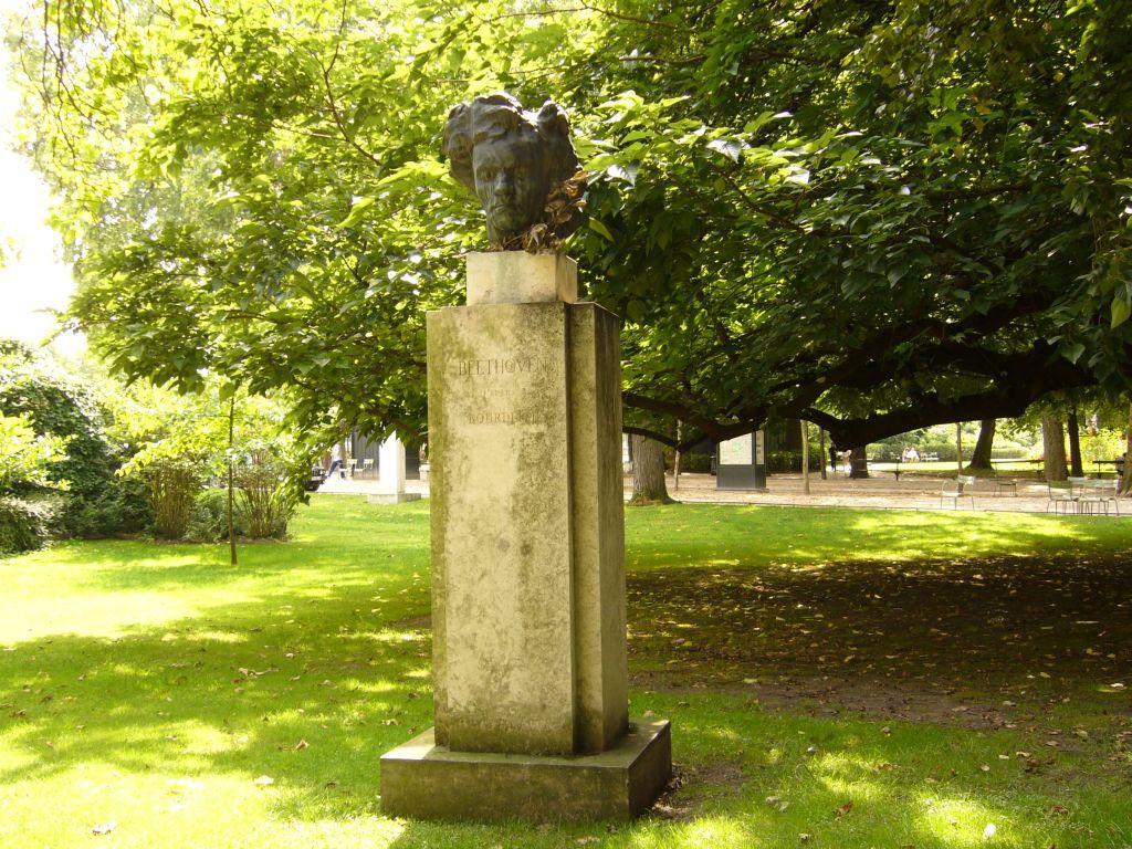 Buste de Ludwig von Beethoven  d'Antoine Bourdelle-1978-Jardin du Luxembourg Paris