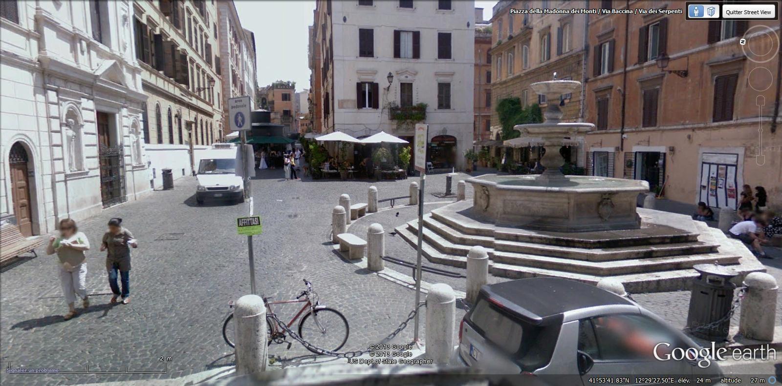 piazza della Madonna dei Monti ( Monti métro Cavour)