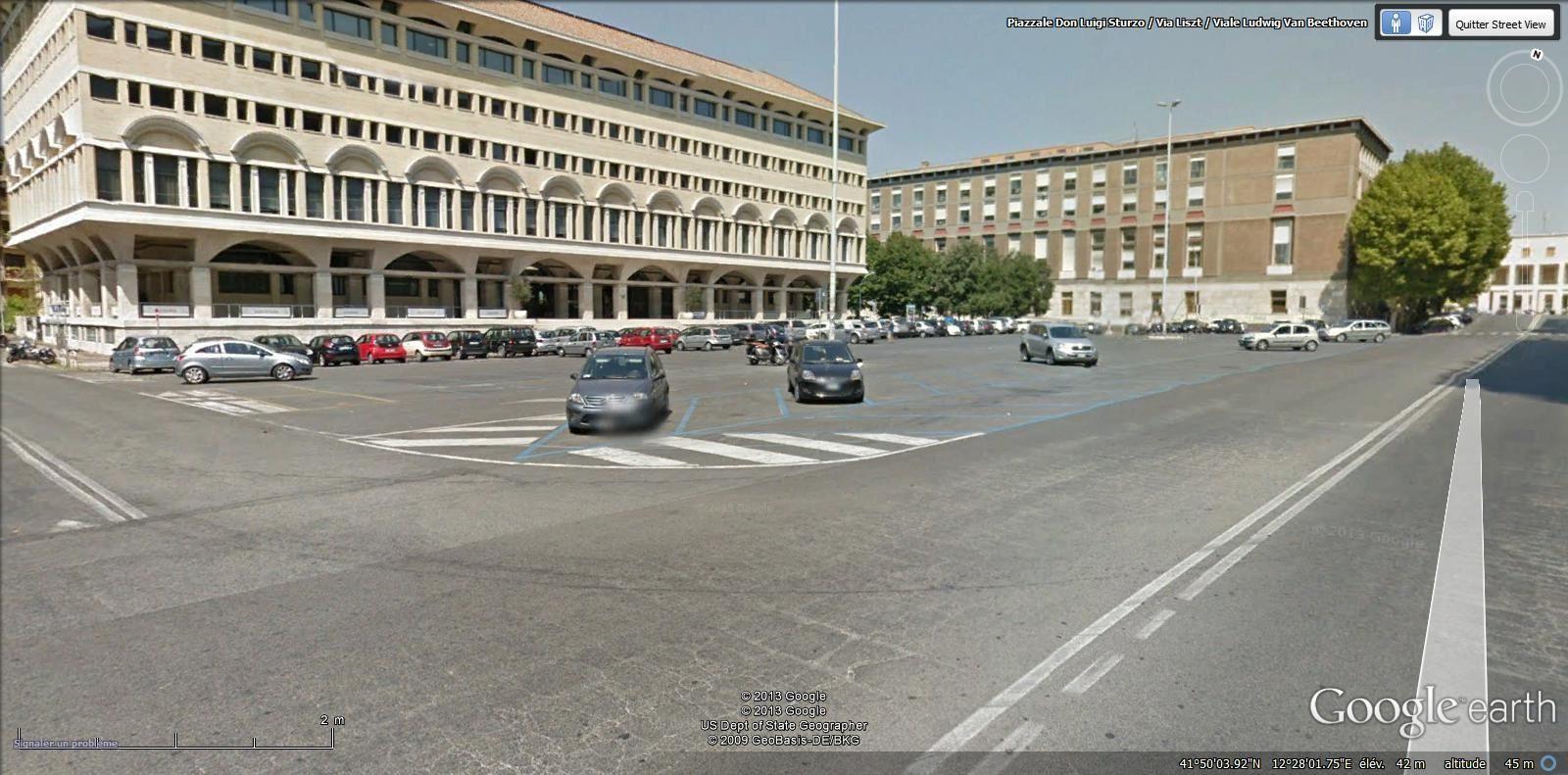 piazzale Don Luigi Sturzo ( EUR métro EUR Fermi)