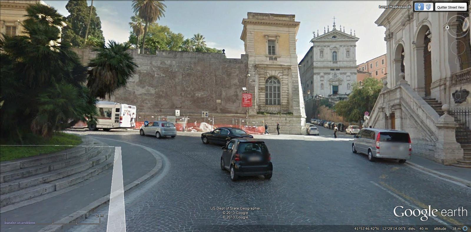largo Magnanapoli ( Monti métro Colosseo ou Cavour)