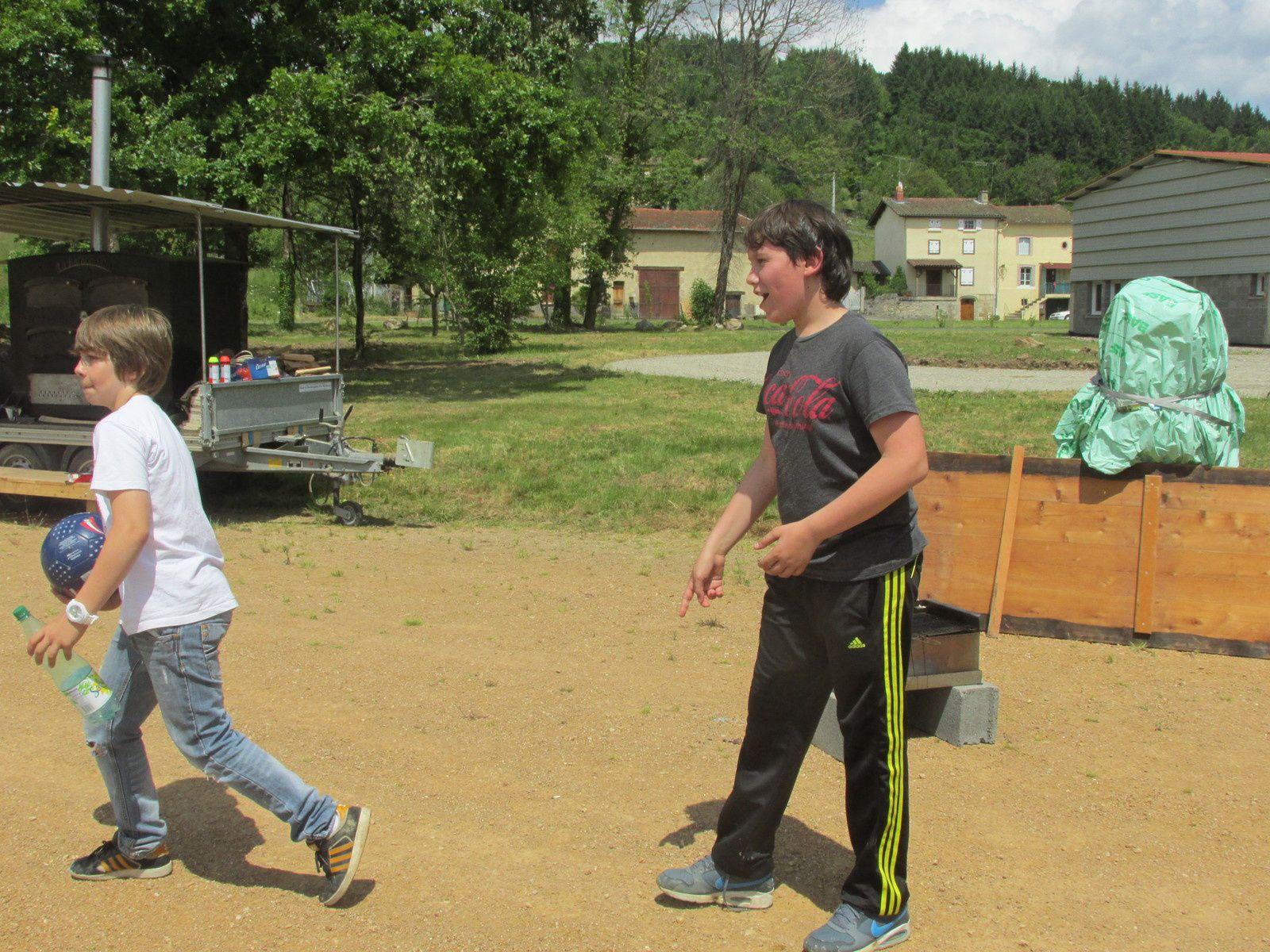 THE FIRST Vide Grenier du 25 Mai 2014 à Aubusson d'Auvergne