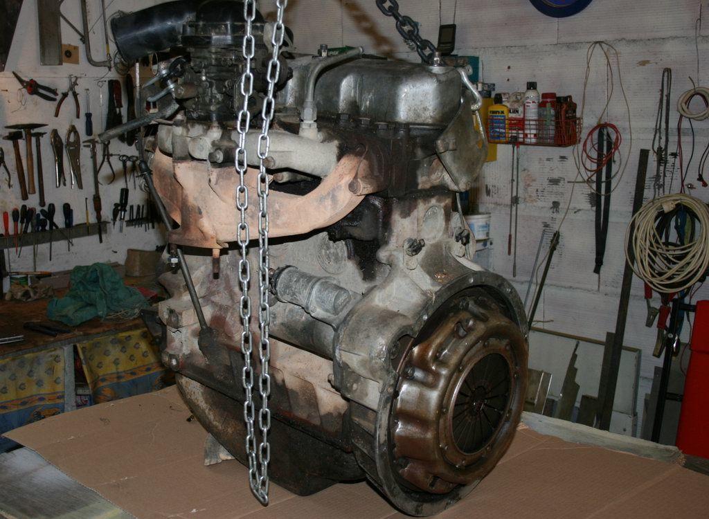"""Moteur 2,5l Essence sur Land Rover Series 109"""""""
