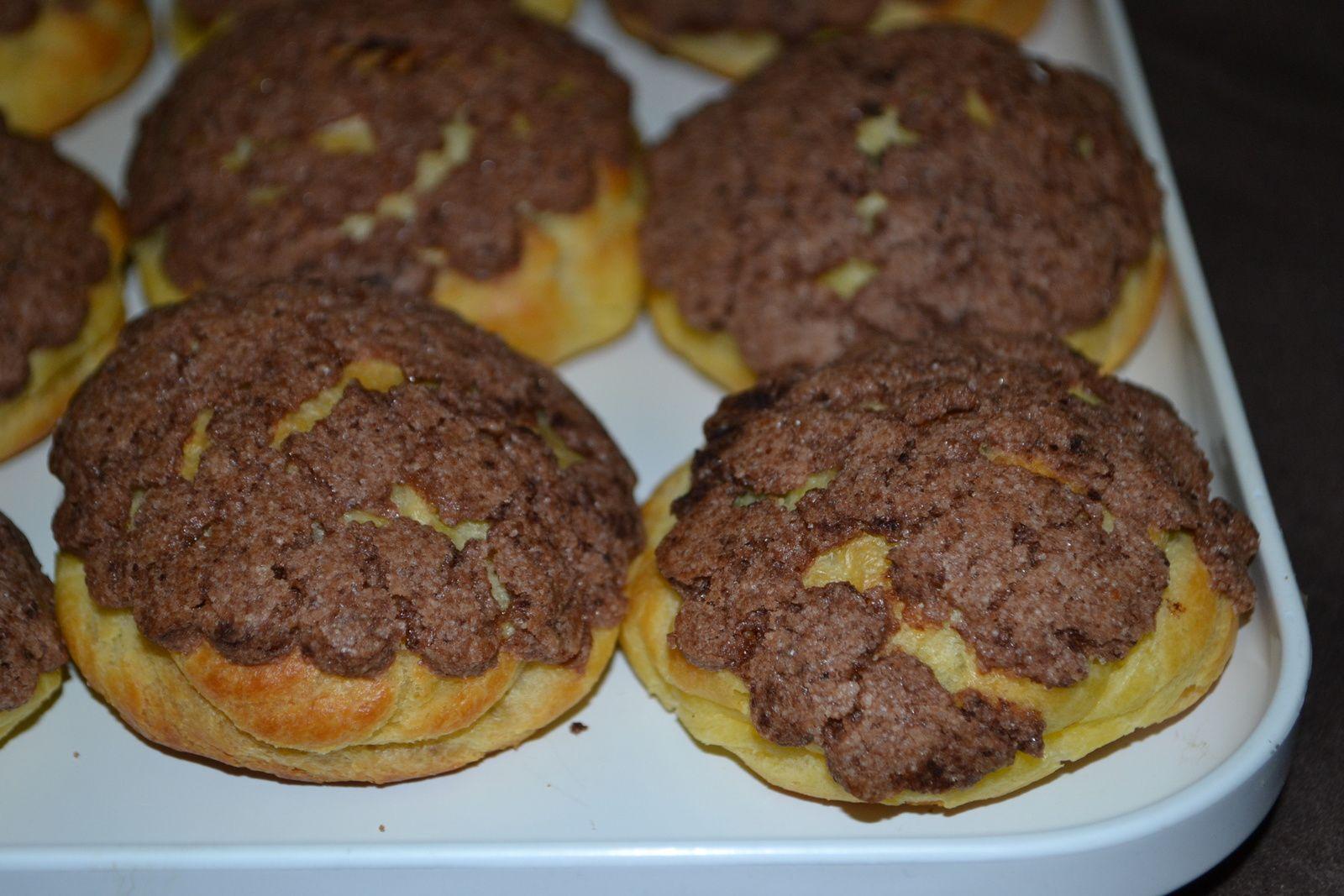 choux craquelin aux chocolat et cr 232 me p 226 tissi 232 re au chocolat chez cuisine