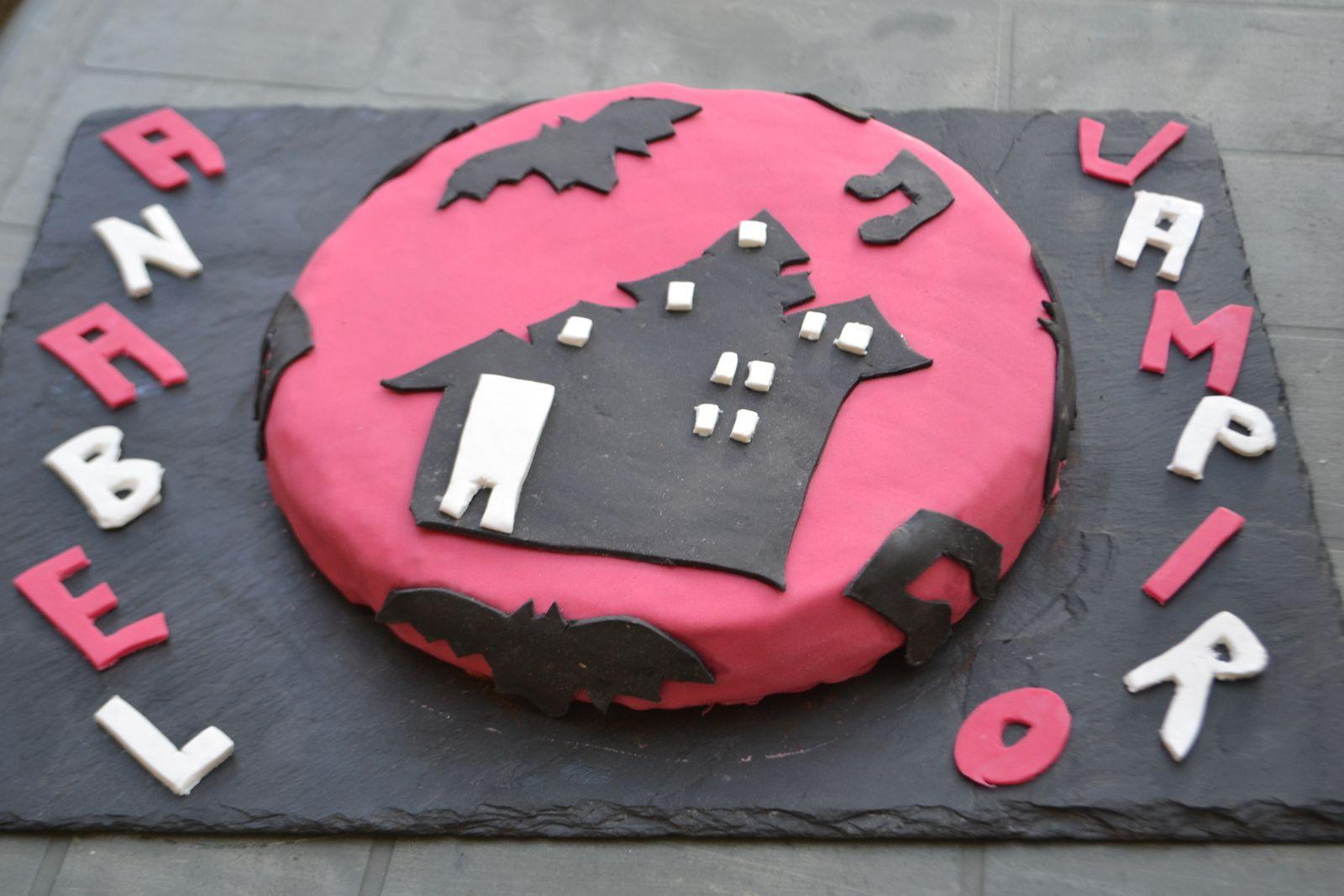 Gâteau chica vampiro pour l'anniversaire de ma filleule