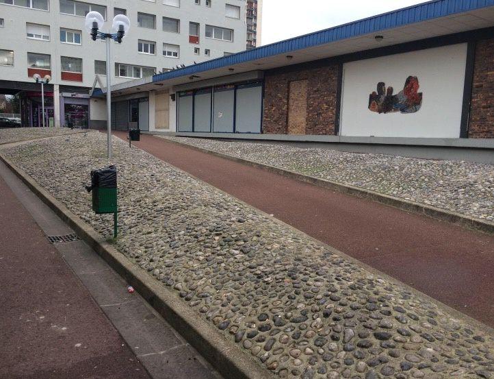 Centre commercial des Presles : de l'espace vert au béton