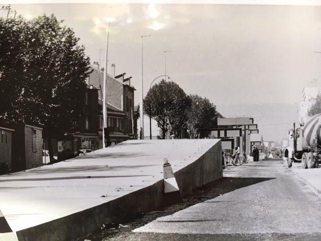 Eté 1972 sortie de terre d'un auto pont avenue de la république