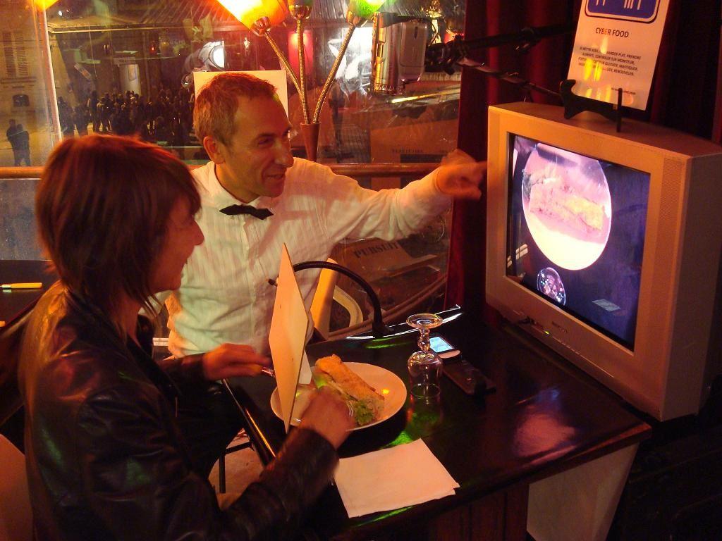 Installation réalisée au restaurant du TOTEM, scène nationale alternative à Maxéville (54)