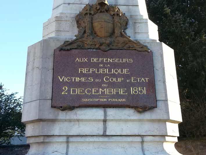 Monument de Lapalisse en mémoire des défenseurs de la République et victimes du coup d'Etat de louis Napoléon Bonaparte, dit Napoléon le petit comme l'appelait Victor Hugo.
