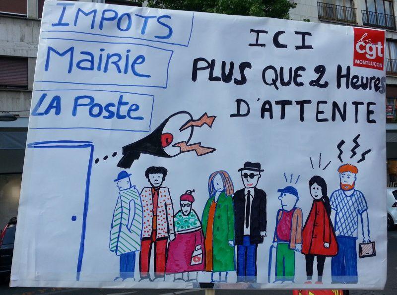 Les agents de la fonction publique avaient disposé quelques panneaux pour sensibiliser les passants.