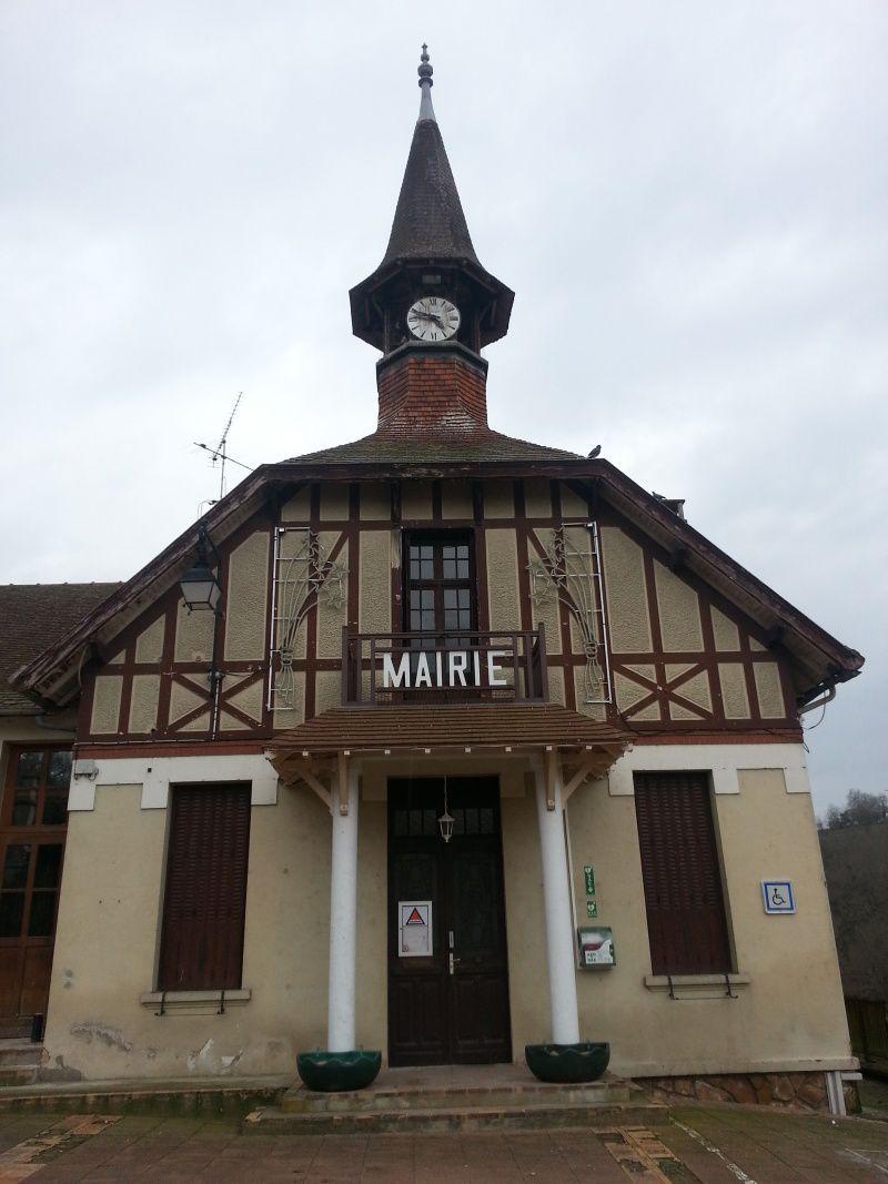 Les manifestants trouvent porte close à la Mairie de Lavault St Anne