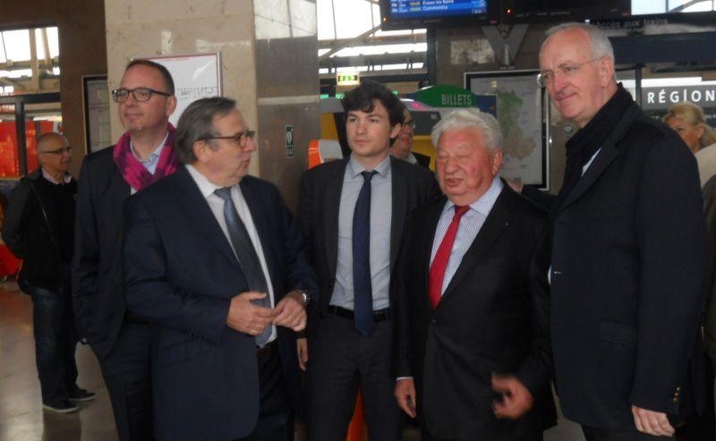 Rassemblement en gare de Montluçon contre le rapport Duron