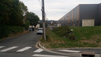 Rue Marcelle Auclair est une voie privée et la mairie ne peut pas y intervenir