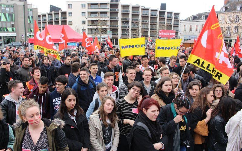 Quelques photos de la manif du 31 mars à Montluçon