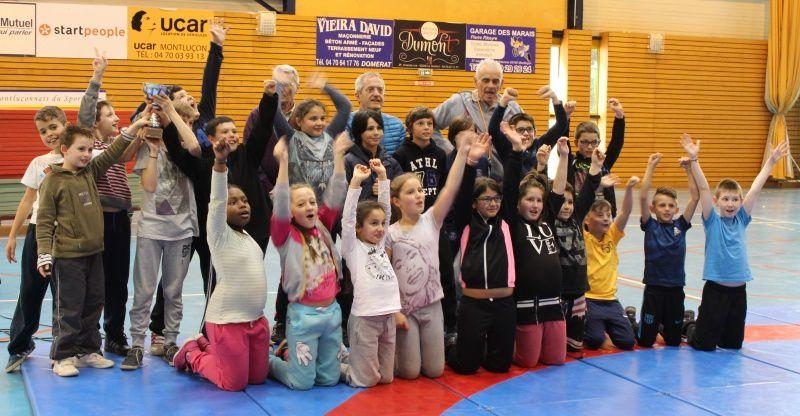 l'école Jean Racine remporte le challenge de lutte à la hall des sports