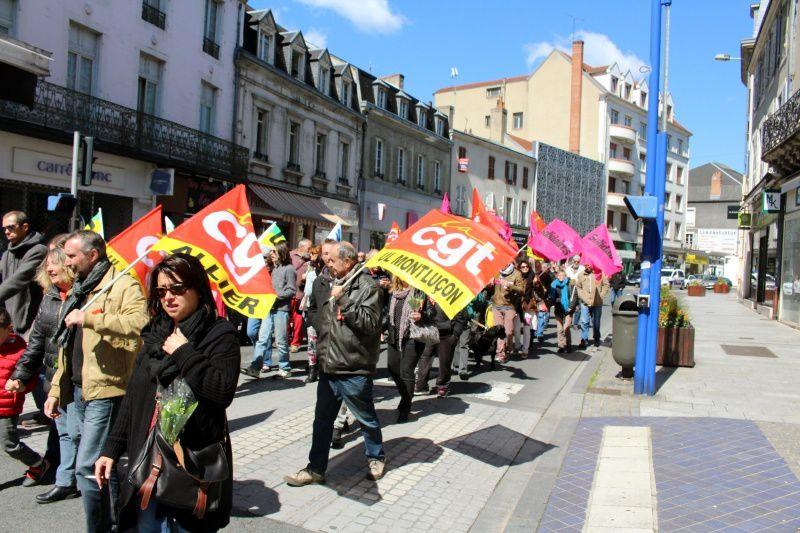 manifestation jusqu'à la Mairie