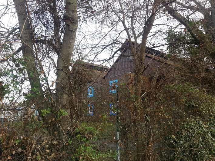 Pas très loin d'All'chem, juste derrière, les chambres des étudiants du Lycée Albert Einstein.