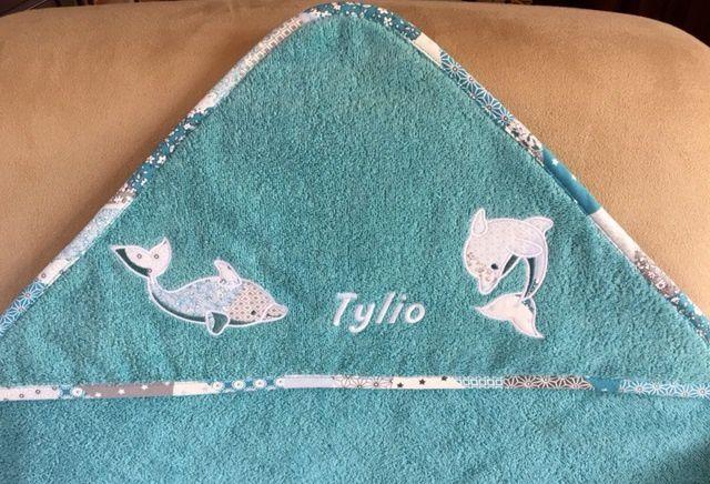 Une sortie de bain pour Tylio, cousin de Marina