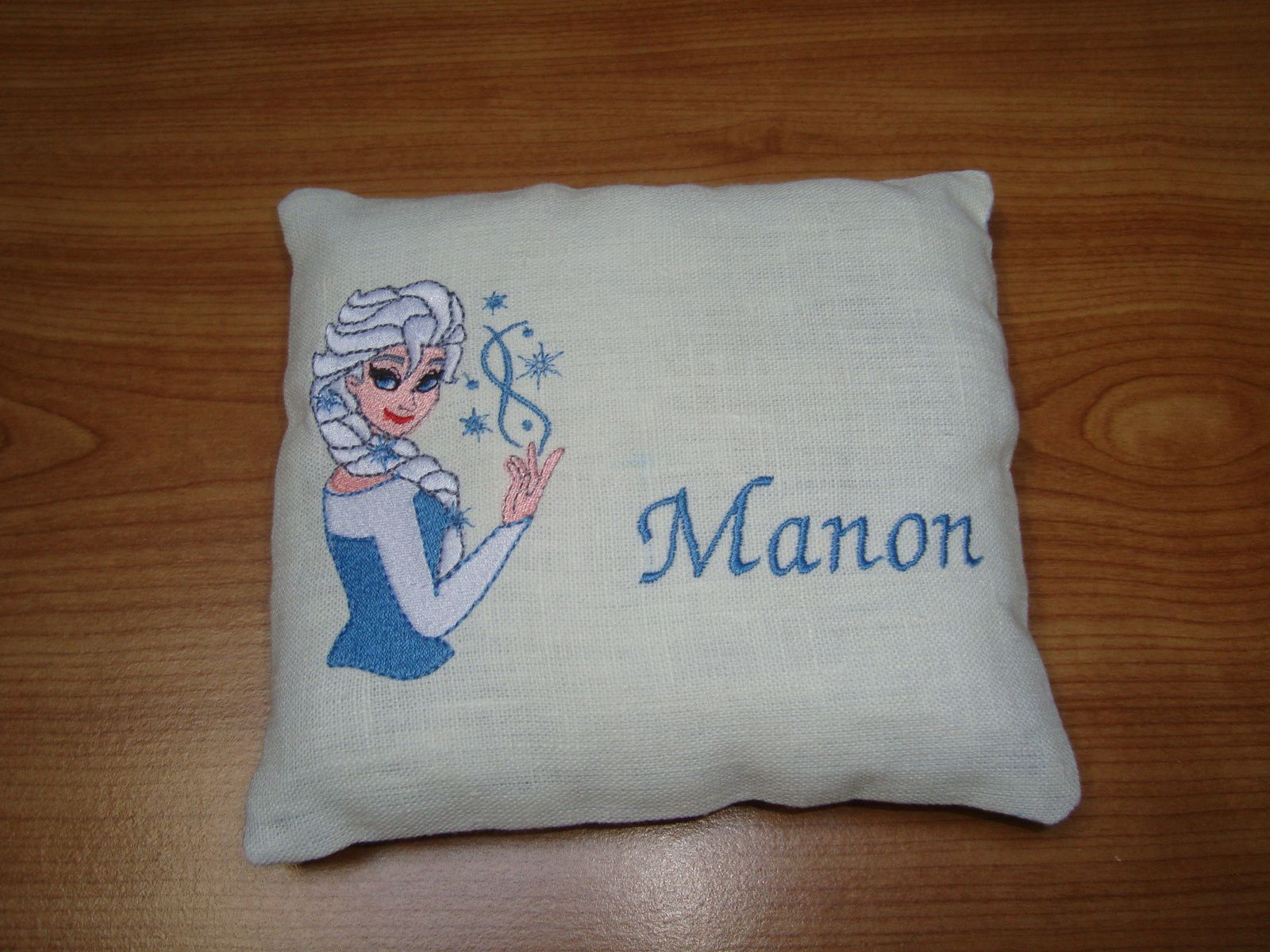 Broderie machine : Elsa, reine des neiges