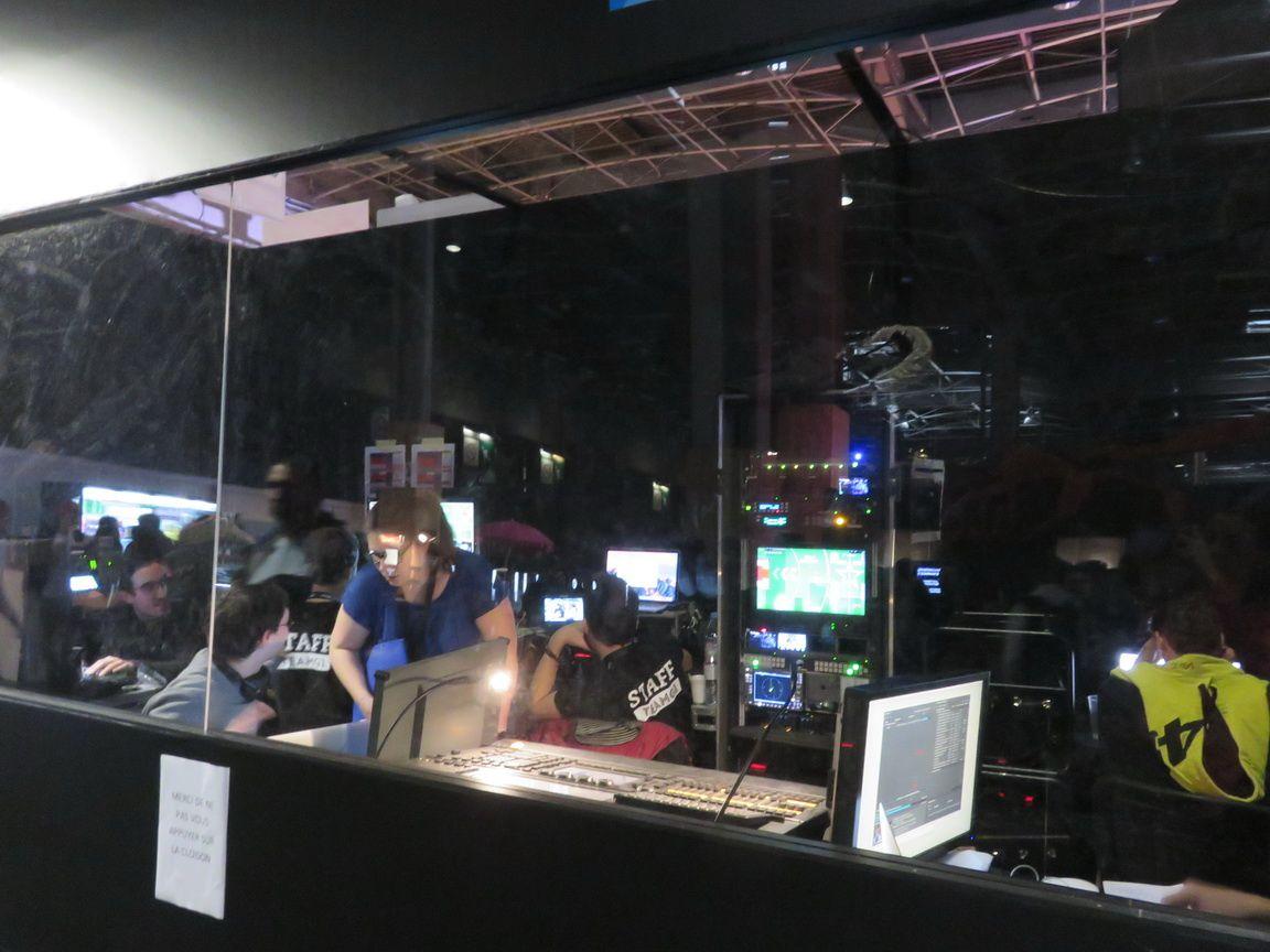 L'équipe technique vue de l'extérieur