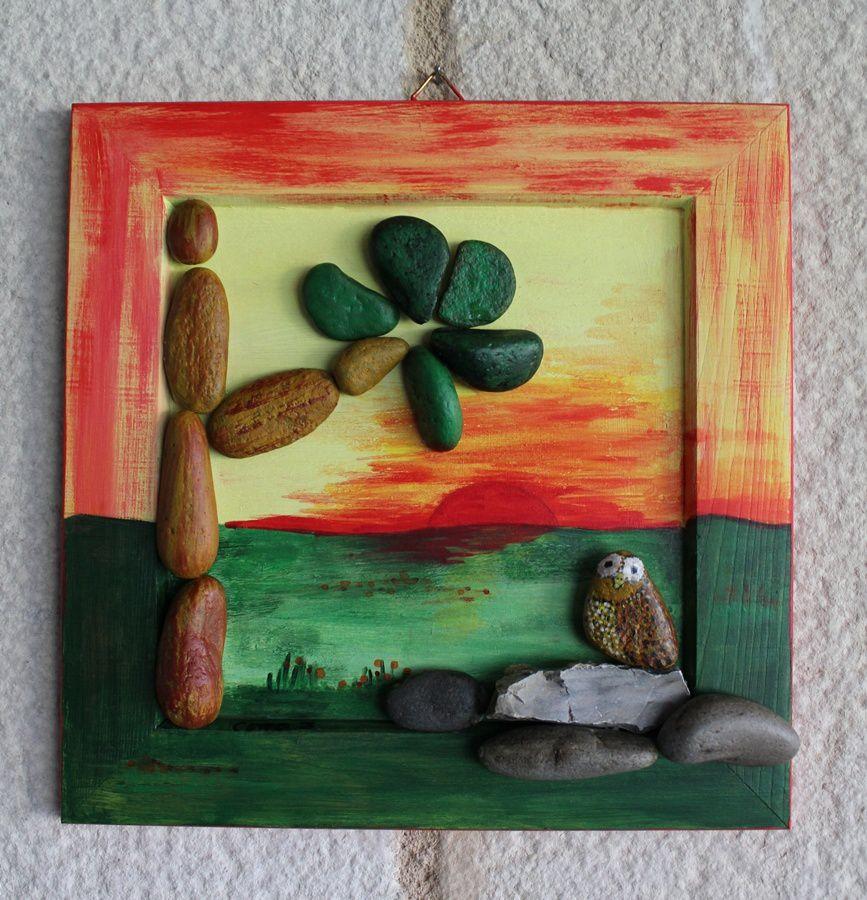 cadre bois, peinture acrylique et cailloux collés
