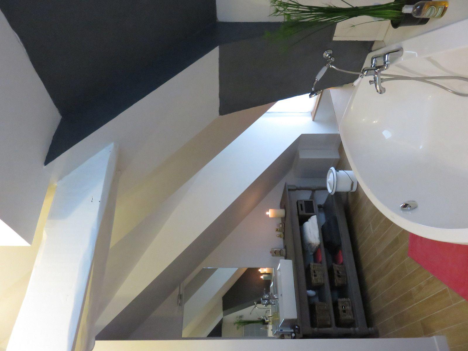 salle de bain termin e 1er bain maison nanous. Black Bedroom Furniture Sets. Home Design Ideas