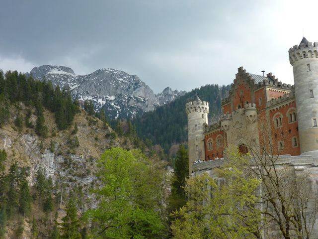Le devant du château.