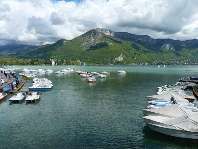 Le lac d'Annecy.