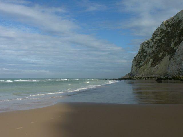 La plage d'Escalles.