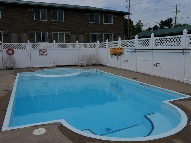 détente à la piscine de l'hôtel.