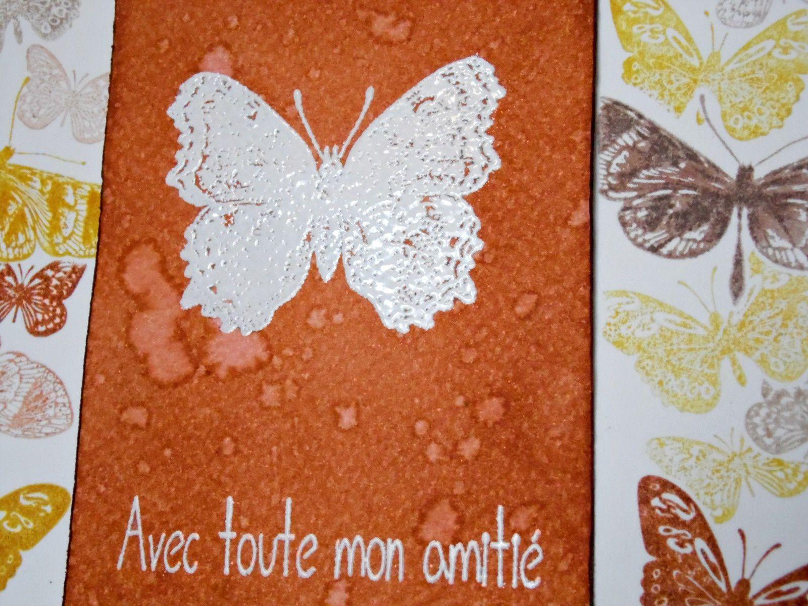 une carte papillons encres et tampons