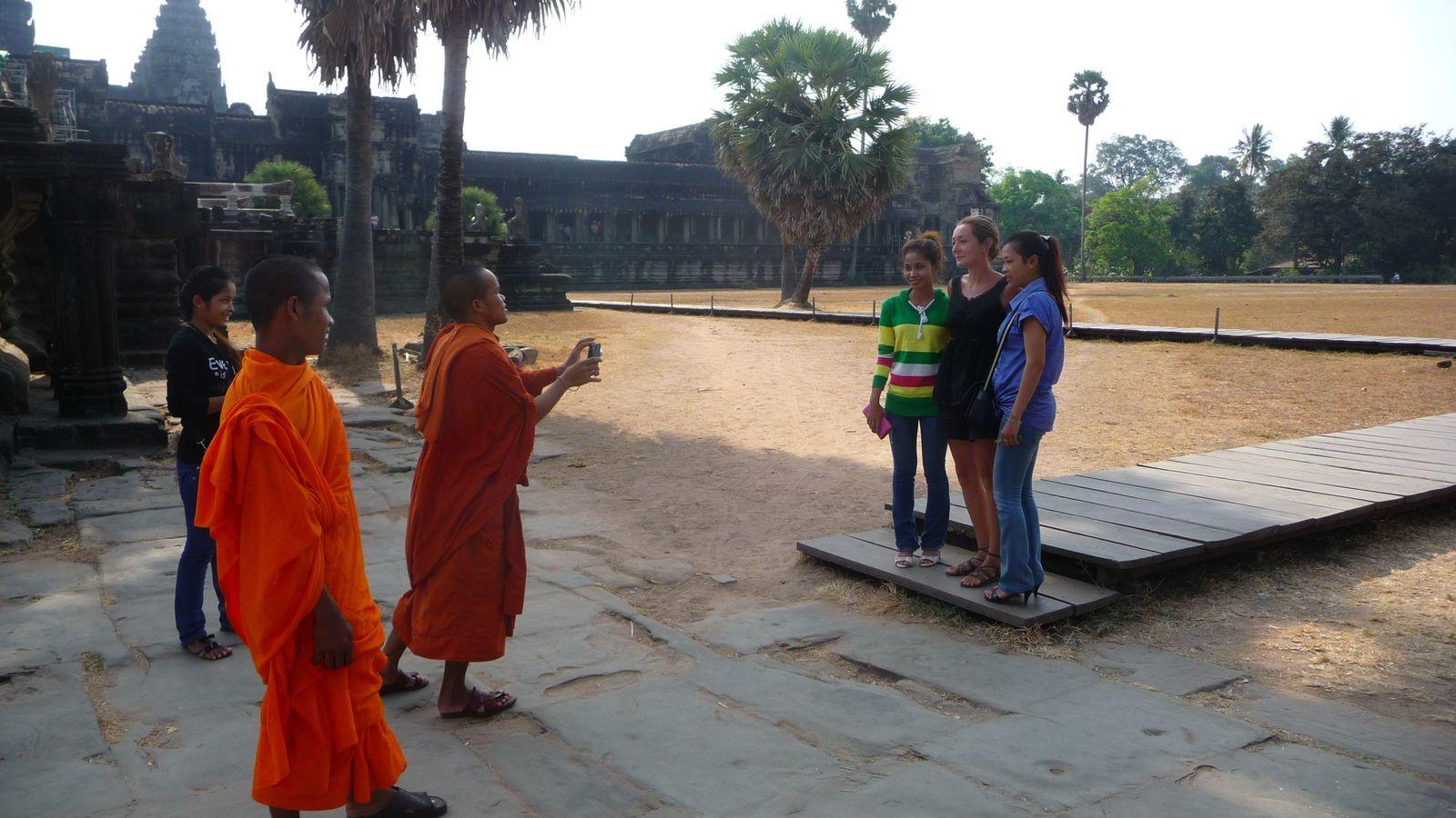 Les moines en visite, eux n'avaient pas l'air si offensés.