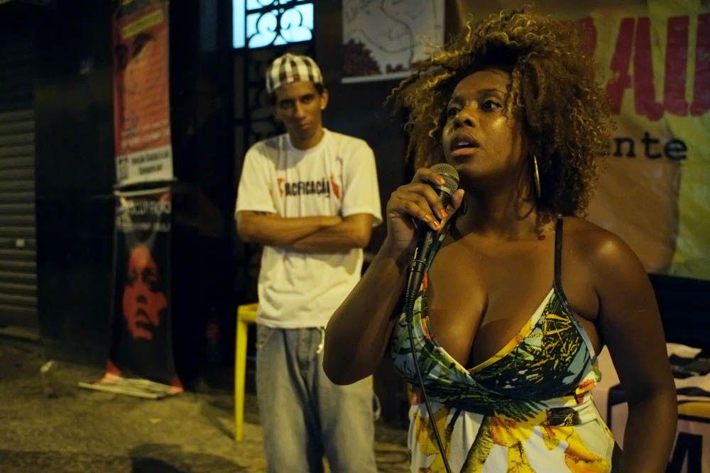 Sarau Apafunk, slam dans la rue