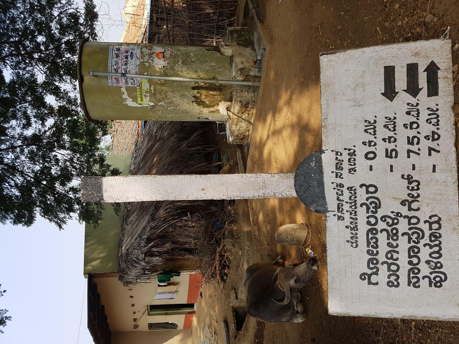 KARNATAKA LA ROUTE DE HASSAN AU FORT DE CHITRADURGA EN DIRECTION DE HOSPET