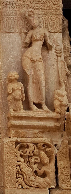 Merveilleuses statuaires sur le sanctuaire de NANDI