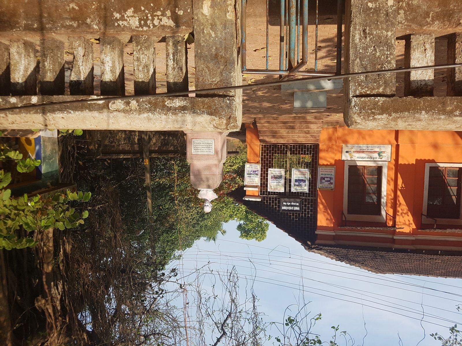 Central des bus à MAPUTA (la dernière photo)