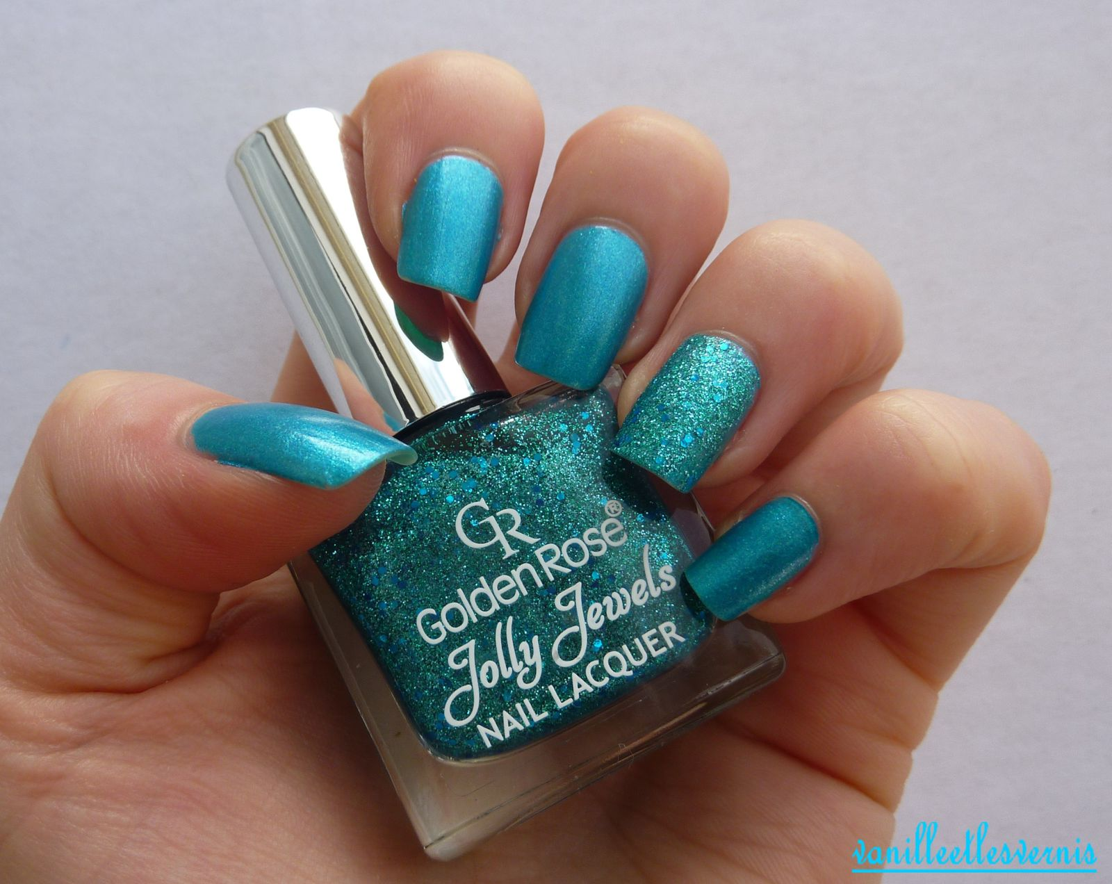 Bleu turquoise &amp&#x3B; son Jolly accent nail