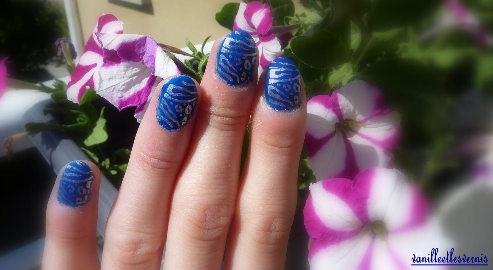 avec mes p'tites fleurs!! &#x3B;)