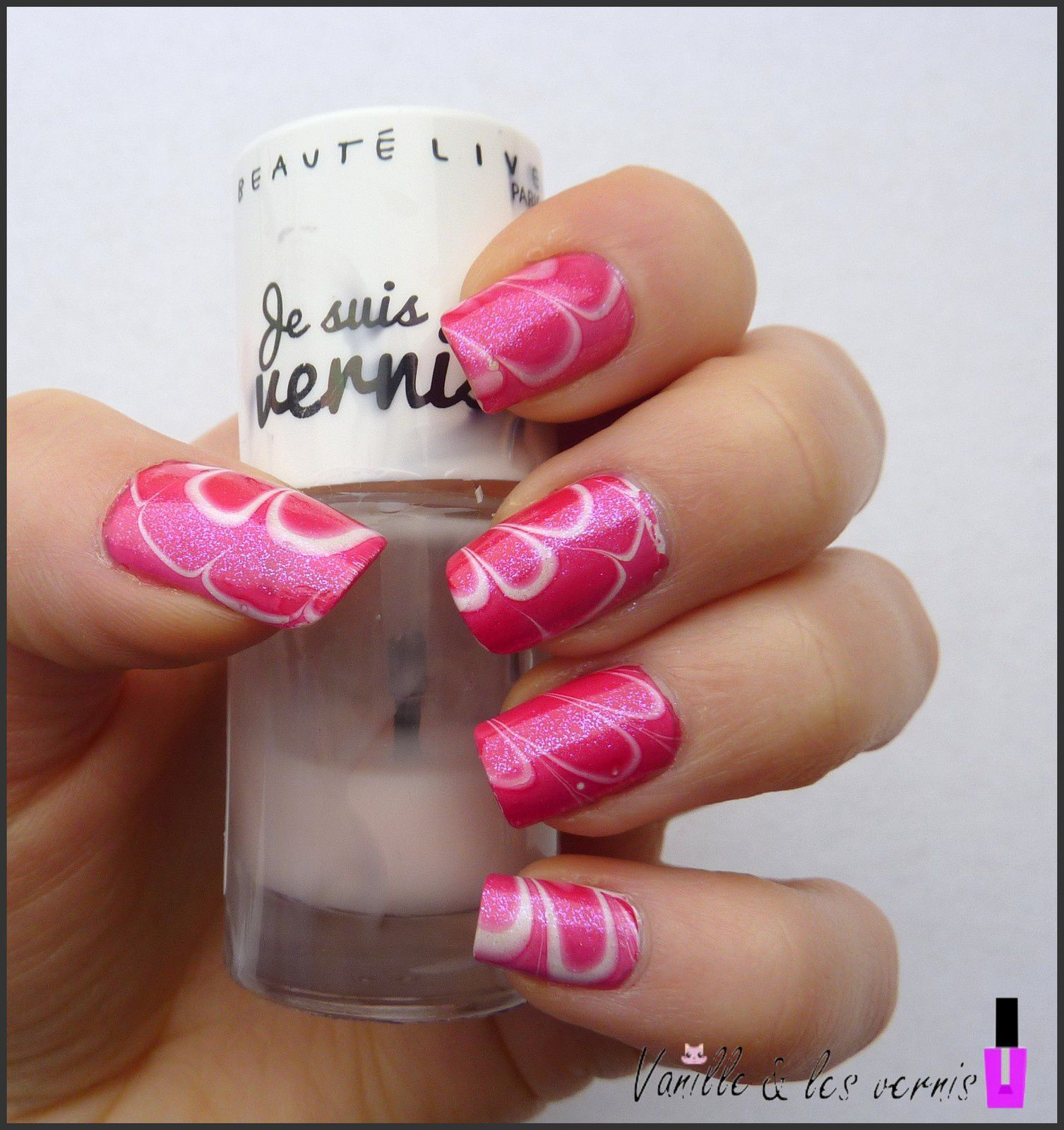 water marble tout en rose pour la st valentin vanille et les vernis. Black Bedroom Furniture Sets. Home Design Ideas