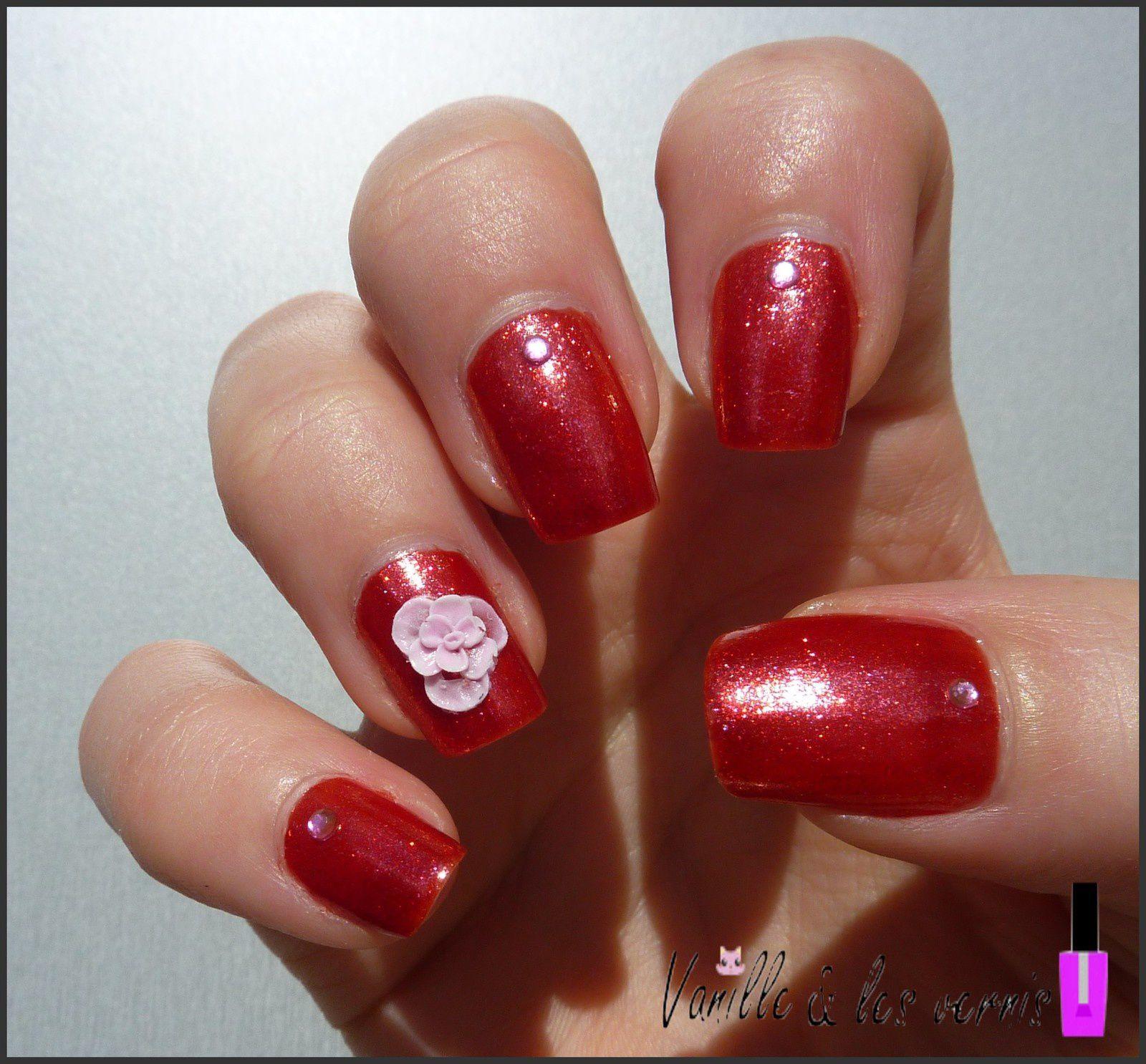 Rouge Scarlet &amp&#x3B; fleurs 3D