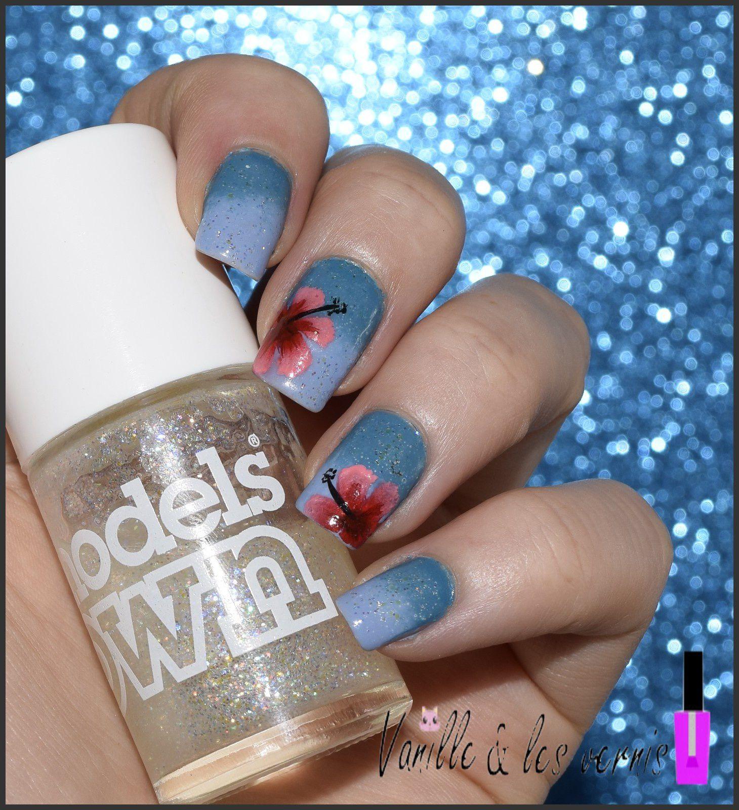 Des hibiscus pour Nail Polish is Peachy^^
