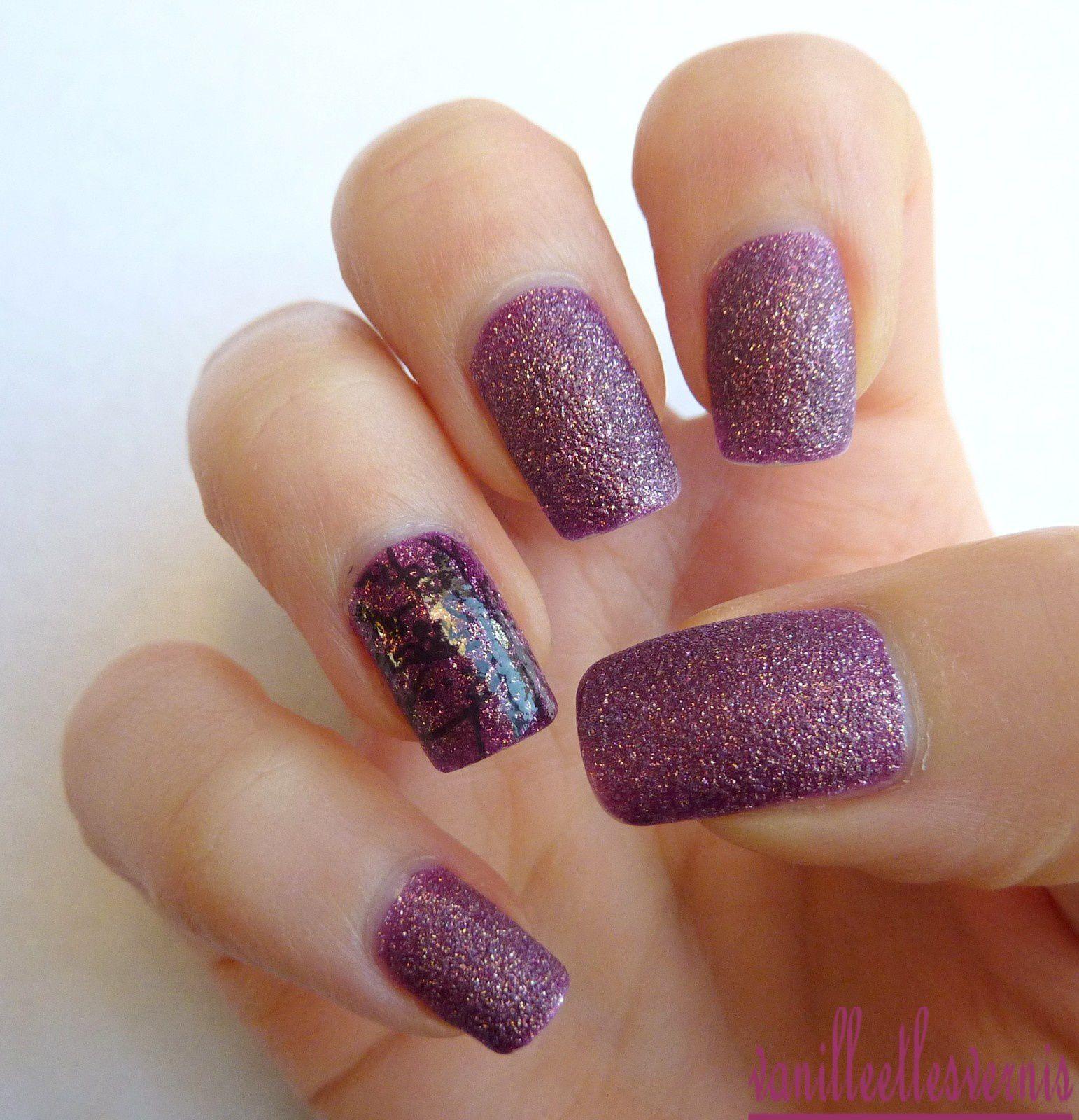 P2 sand prune et son accent nail floral
