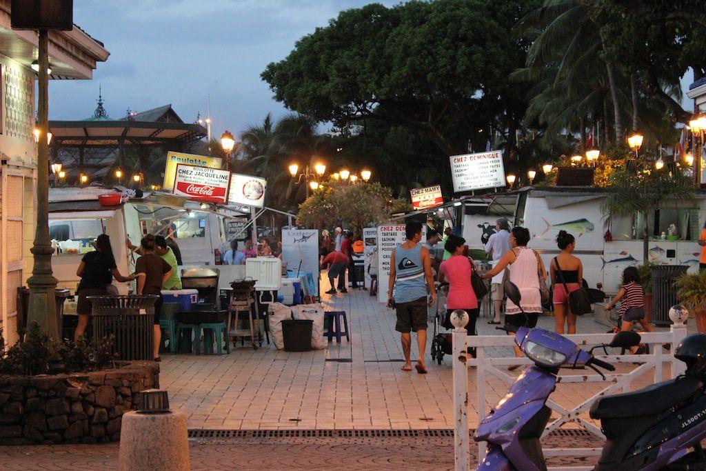 La place Vaiete à Papeete, tous les soirs, 7 jours sur 7, une institution