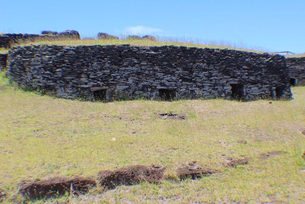 Volcan Rano Kau et le village d'Oronge