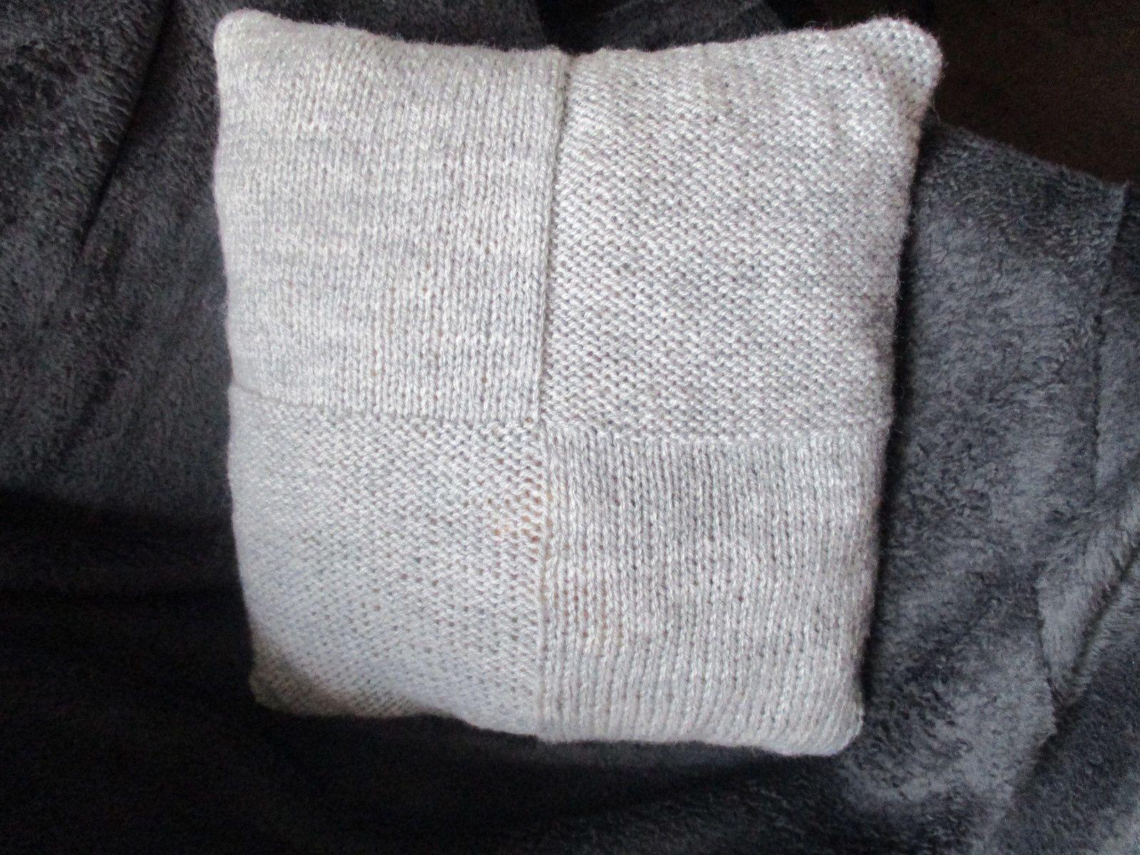 Coussin tricot tout chaud
